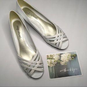 """New - Easy Street White Slip-on 2"""" Heel Size 8.5"""
